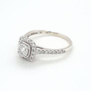 9K WHITE GOLD CLUSTER SET DIAMOND RING_1