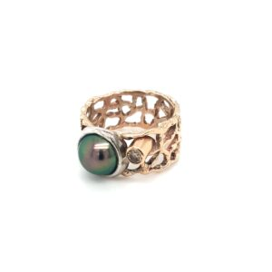 Leon Bakers Coral Bay Abrohlos Pearl and Diamond Ring_1