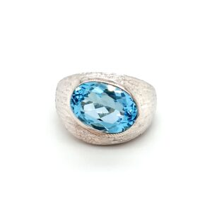 Leon Baker Sterling Silver and Blue Topaz Ring_0
